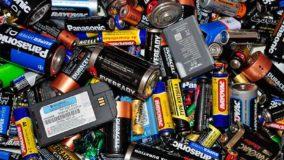 Como fazer o descarte de pilhas e baterias?