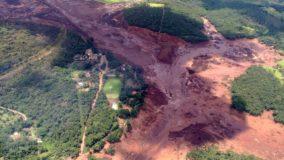 Rejeito da barragem de Brumadinho atingiu o Rio Paraopeba, diz Corpo de Bombeiros