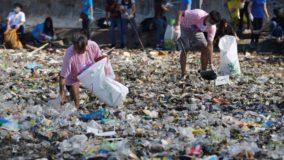 Voluntários limpam mais 45 toneladas de lixo em baía nas Filipinas em apenas um dia