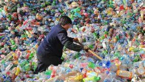 Cidade na Malásia é sufocada com 17 mil toneladas de lixo