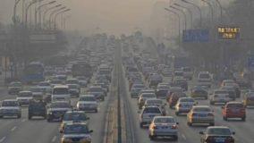 Londres cobra pedágio no centro da cidade para combater poluição