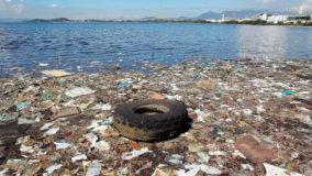 Concentração de microplásticos na Baía de Guanabara é uma das maiores do mundo