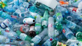 Especialistas afirmam que a maioria das pessoas não sabe jogar fora os recicláveis