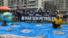 Ambientalistas protestam contra leilão de áreas de petróleo