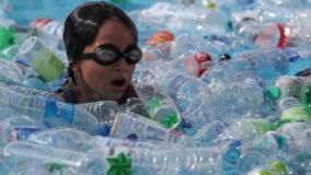 Coca-Cola, Nestlé e PepsiCo são as três maiores poluidoras de plástico no planeta