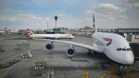 Companhias aéreas usam prática poluidora para economizar