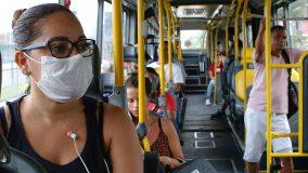 Pandemia reduz em mais de 50% as emissões de ônibus em SP