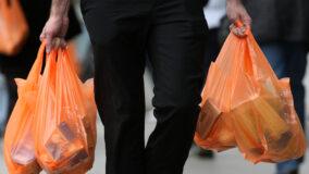 Maioria dos brasileiros querem delivery sem plástico descartável
