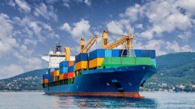 Navios neutros em carbono começam a operar em 2024
